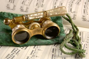 Opera_glasses